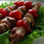 Рецепт Нежный шашлык в духовке на шпажках (из свинины)