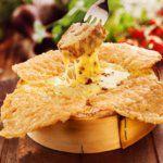 Рецепт Сырные вкусные чипсы в духовке