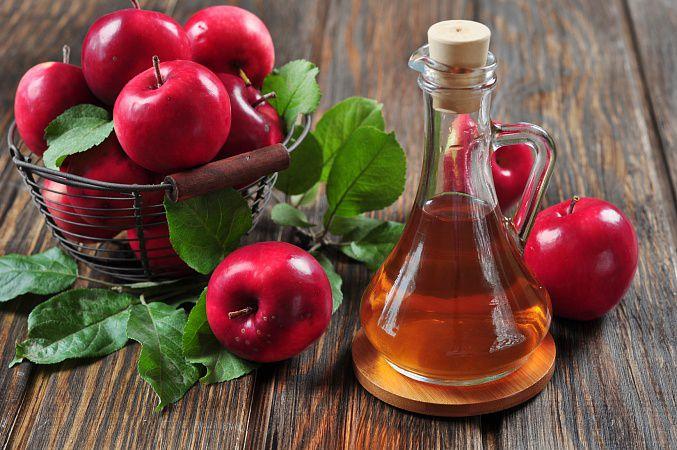На фото Детокс яблочным уксусом: миф или правда?