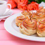 Рецепт Яблочные розы из слоеного теста