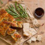 Рецепт Итальянская фокачча с розмарином и пряными травами