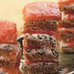 Рецепт Очень вкусная закуска из копченого лосося