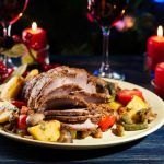 Запеченная свинина на Новый год: ТОП-5 рецептов