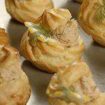 Рецепт Новогодние профитроли с несладкой начинкой из лосося