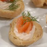 Рецепт Новогодние профитроли с лососем