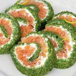Рецепт Новогодний рыбный рулет с копченым лососем
