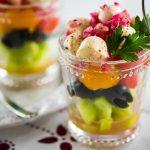 Греческий салат с моцареллой и помидорами
