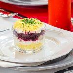 Рецепт Вкусная сельдь под шубой (пошаговый вариант)