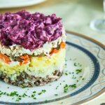 Рецепт Шпроты под шубой с яйцом