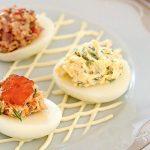 Рецепт Вкусные фаршированные яйца (разные варианты начинок)