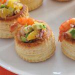 Рецепт Новогодний салат с креветками: «Коктейль с креветками и авокадо»