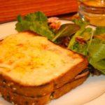 Сэндвич Крок-Месье (рецепт из фильма «Простые сложности»)
