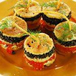 Рецепт Оладьи-канапе с красной и черной икрой