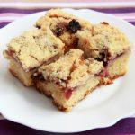 Рецепт Яблочный пирог с ежевикой и хрустящей крошкой