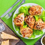 Рецепт Кармашки из куриного филе с ветчиной и сыром