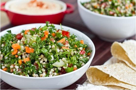 На фото Таббуле (салат с гречкой)