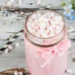 Рецепт Розовый горячий шоколад на День Валентина