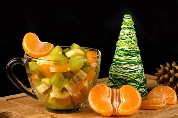На фото Зимний фруктовый салат