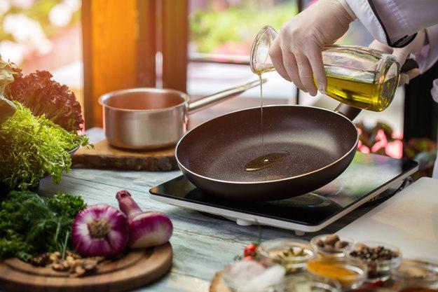 На фото Восемь ошибок, которые вы часто совершаете, используя кухонную плиту