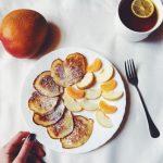 Рецепт Яблочно-банановые оладьи (быстро и вкусно)