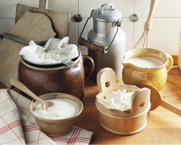 На фото Можно ли обезжирить молоко в домашних условиях и как это сделать?