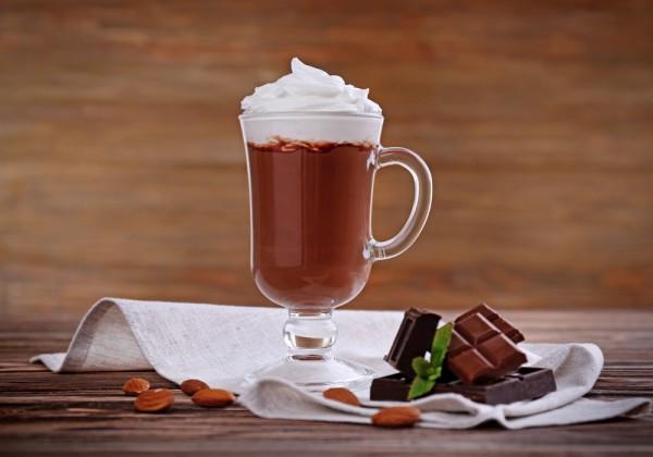 На фото Шоколадный мусс Айриш крим